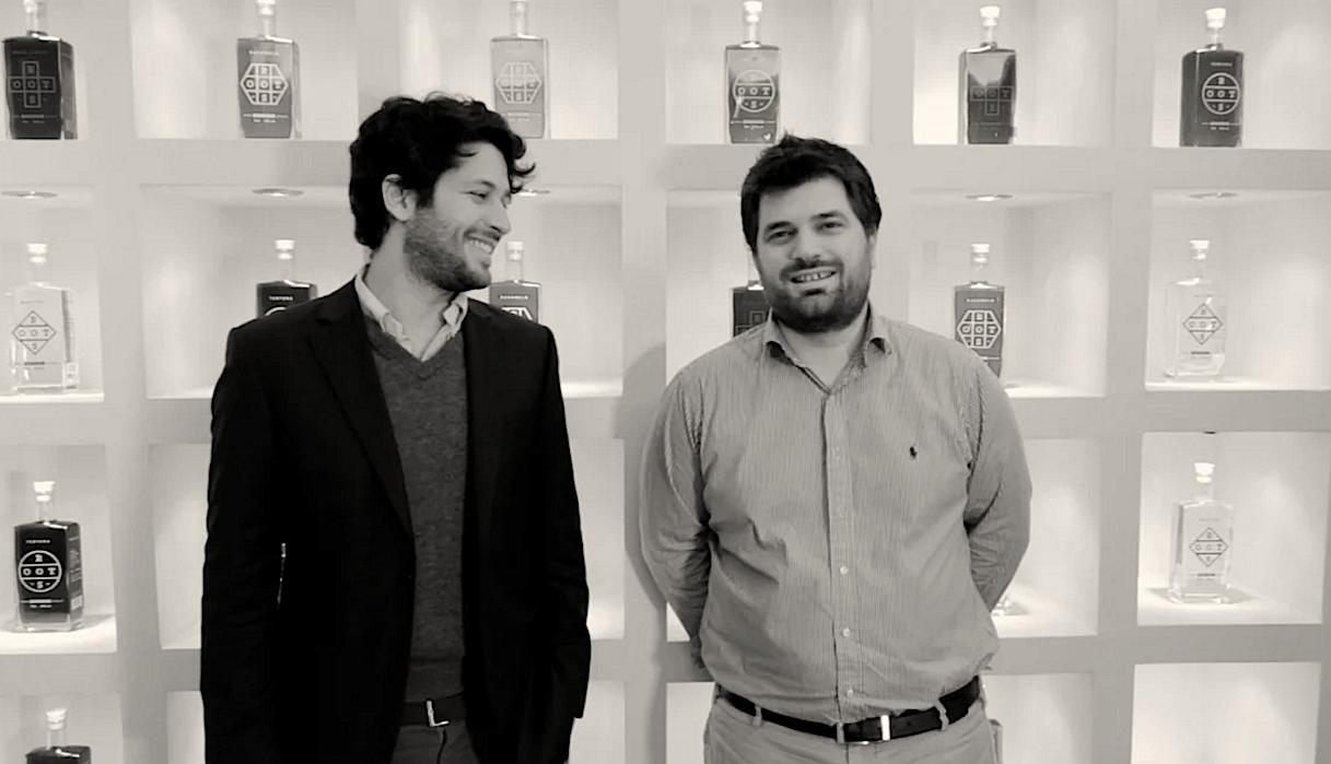 Manos &  Nikolas